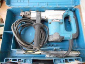 津山店です。 津山市のお客様から、マキタ 電動ハンマ HM0830 六角シャンク17mm ケース付を、買取らせて頂きました。