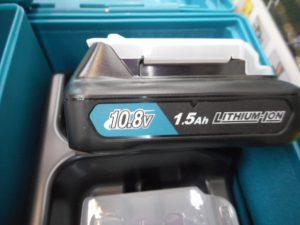 津山店です。 津山市のお客様から、makita マキタ 充電式マルチツール 10.8V TM30DSH 未使用品 バッテリー2個を、買取らせて頂きました。