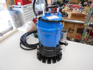 津山店です。 津山市のお客様から、未使用 ツルミポンプ 工事用排水ポンプ HS2.4S-63 60Hz 口径50mmを、買取らせて頂きました。