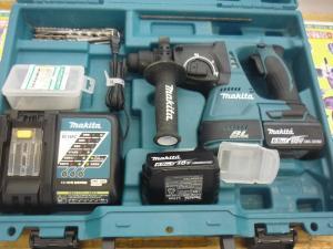 岡山店です。 岡山市のお客様から、makita マキタ 充電式ハンマドリル HR244DRGX ケース 説明書 充電器 バッテリー2個付きを、買取りさせて頂きました。