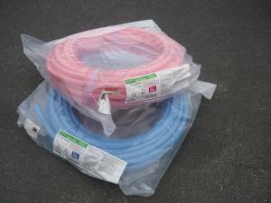 岡山店です。 岡山市のお客様から、被覆カ カポリパイプW 2色 セット PEX13C-PB5-50 PEX13C-PP5-50 架橋ポリエチレンを、買取りさせて頂きました。