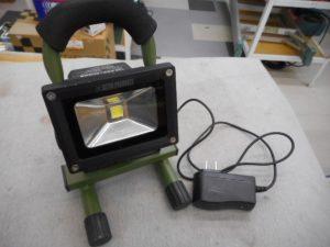 岡山店です。 岡山市のお客様から、アストロさんの LEDライトを、買取りさせて頂きました。