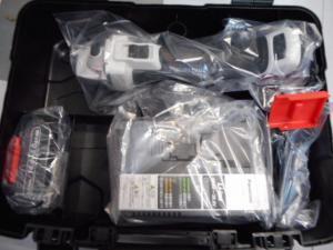 津山店です。 津山市のお客様から、パナソニック ディスクグラインダー EZ46A1LJ2F-H 未使用品を、買取らせて頂きました。