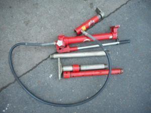 岡山店です。 岡山市のお客様から、 ダイナミック パワー P1-W ポート ポンプ 赤色 油圧 中古品を、買取りさせて頂きました。