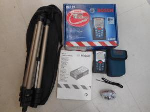 津山店です。 津山市のお客様から、BOSCH ボッシュ レーザー距離計 DLE50 三脚付を、買取らせて頂きました。