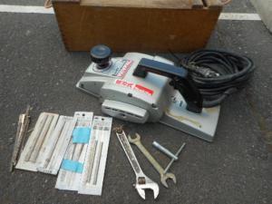 岡山店です。 岡山市のお客様から、マキタ 2スピードカンナ 1804N 替刃つき を、買取りさせて頂きました。