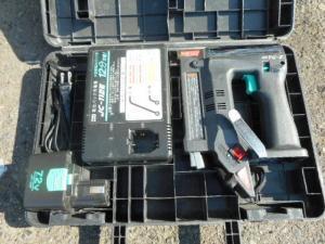岡山店です。 岡山市のお客様から、MAX マックス 7.2V バッテリータッカ TG-Zを、買取りさせて頂きました。