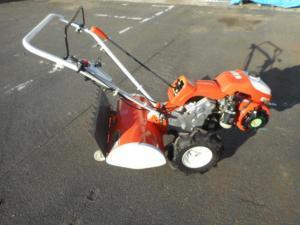 津山店です。 津山市のお客様から、クボタ 耕運機 TR700 オレンジ エンジン 管理機 中古品を、買取らせて頂きました。