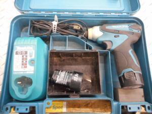 岡山店です。 岡山市のお客様から、マキタ インパクトドライバー TD090D 充電式 中古品を、買取りさせて頂きました。