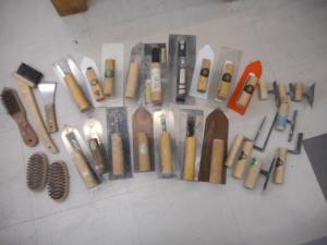 津山店です。 津山市のお客様から、左官コテ 色々 一式 空 大 中 小 大量 セット 中古品を、買取らせて頂きました。