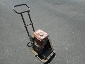 岡山店です。 岡山市のお客様から、 プレート RM-60 コンクリート アスファルト 土木 固める 整備済み 中古品を、買取りさせて頂きました。