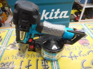 津山店です。 津山市のお客様から、マキタ  高圧釘打機  AN635H 大工 エアー 未使用品を、買取らせて頂きました。