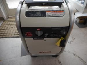 発電機  EU9iGB 100V ガス 中古品
