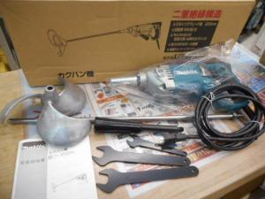 マキタ カクハン機 UT2204 カクハン コンクリート モルタル ネル 混ぜる 電動 コード式 未使用品