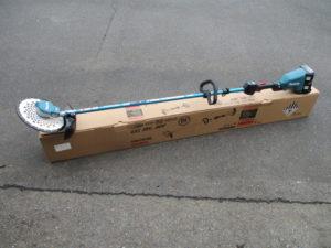 津山店です。 津山市のお客様から、マキタ 充電式刈払い機 MUR368LDG2 バッテリー 充電器 セット 新品 未使用品を、買取りさせて頂きました。