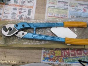 津山店です。 津山市のお客様から、 ミノル ケーブルカッター ME-150 銅線 切断 未使用品を、買取りさせて頂きました。