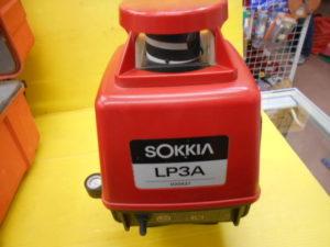 岡山店です。 岡山市のお客様から、 回転 ソキア 回転レーザー LP3A 精度 未確認 受光器フタなし 中古品を、買取りさせて頂きました。